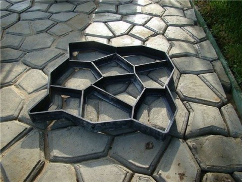 Forma 4L na betónové chodníky